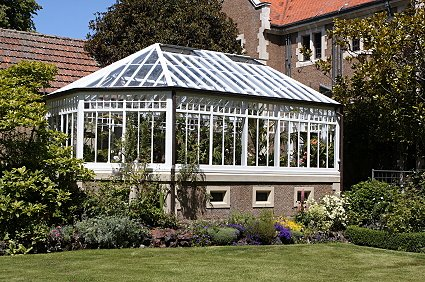 What is the price of a conservatory conservatoryweb for Cost of solarium